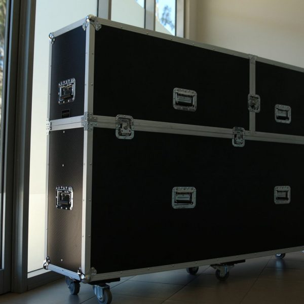 Custom TV Road Case Clamshell Style for Suwito