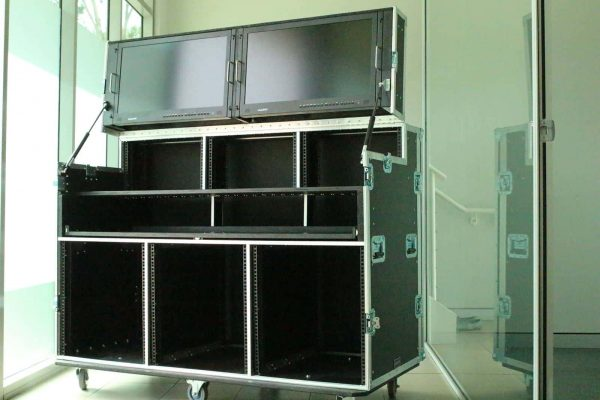 Armor workstation road cases