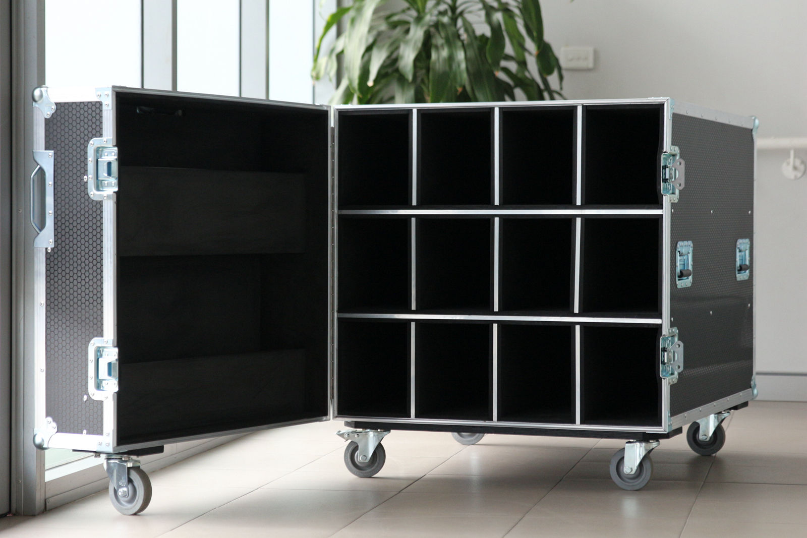 led bar road case
