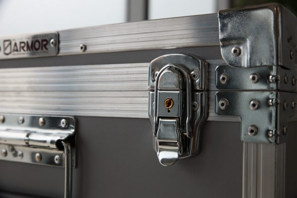 surface mount latch with key lock